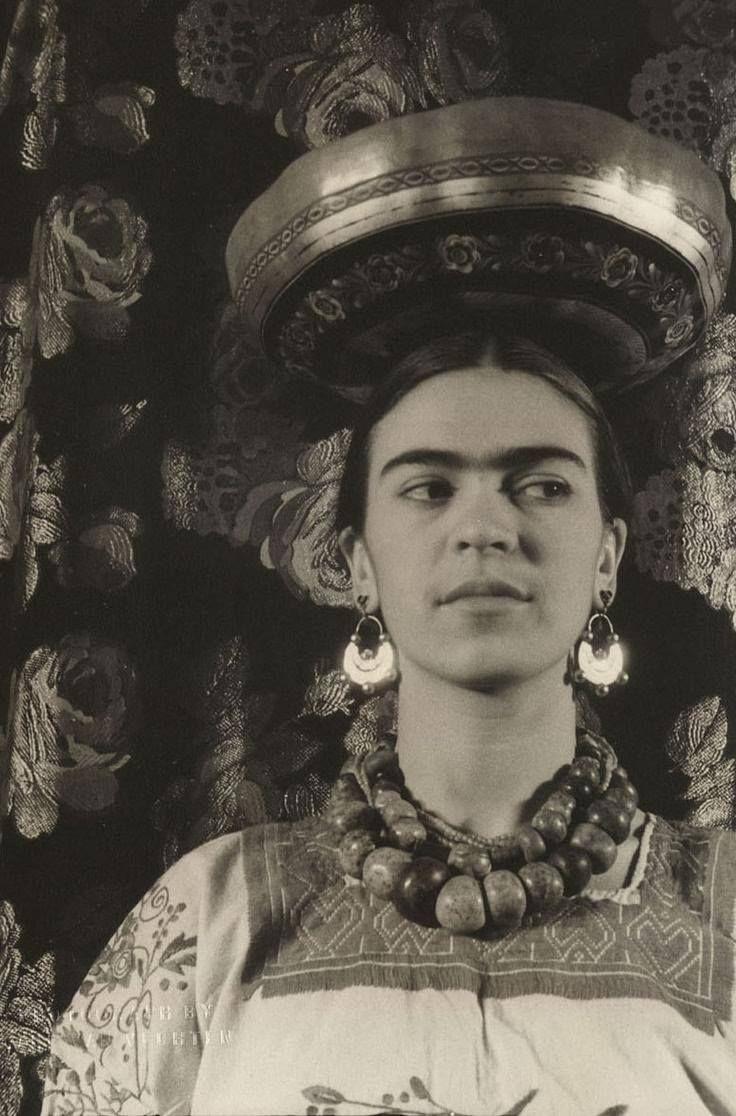 Frida Kahlo by Carl van Vechten, 1933 736×1116 пикс