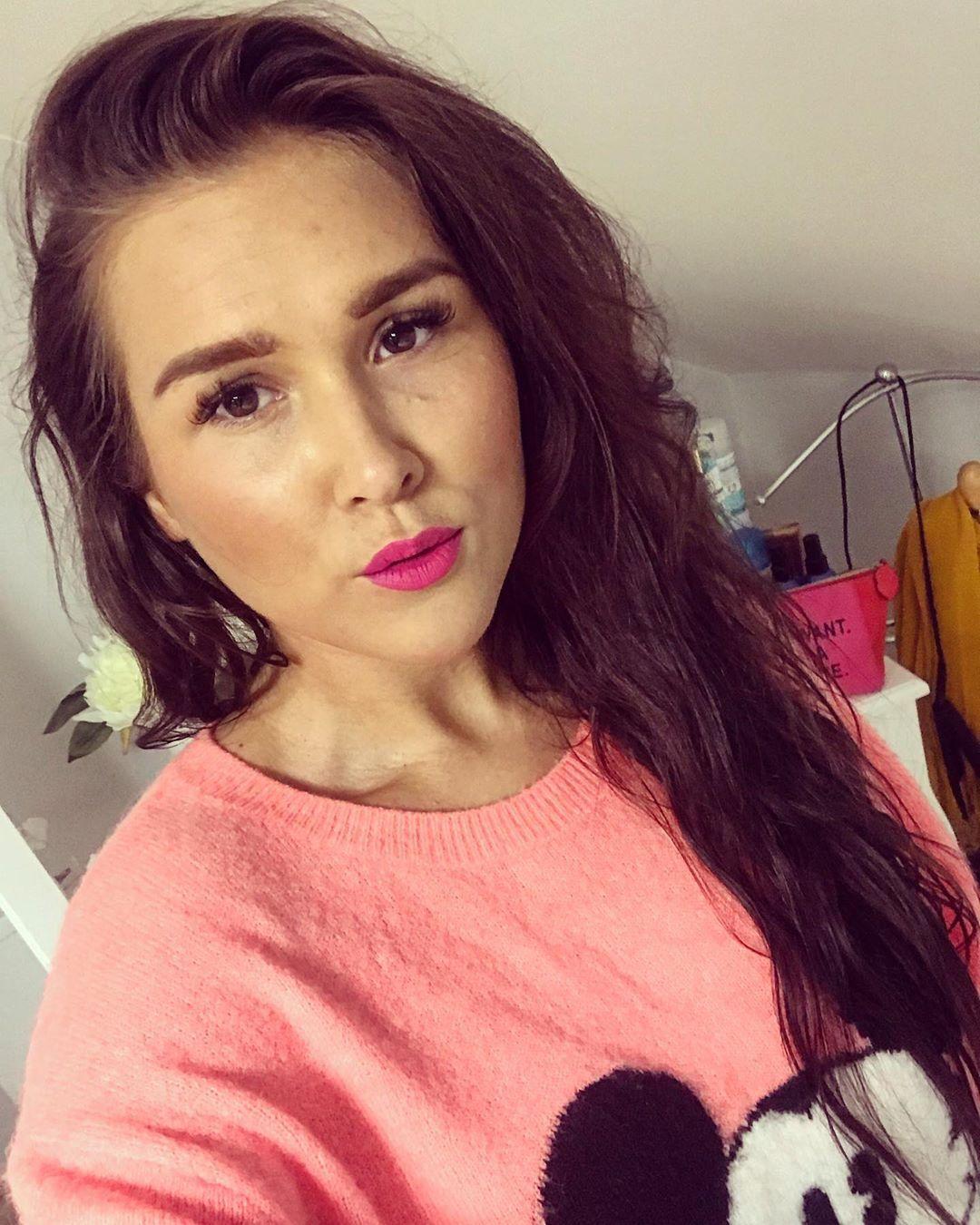Selfie Selfietime Pink Happy Happytime Woman Cz Czech Girl