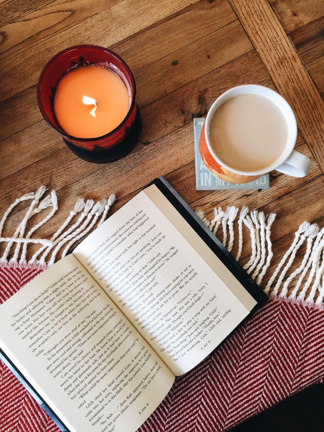 как сделать фотографию книги и чая несколько
