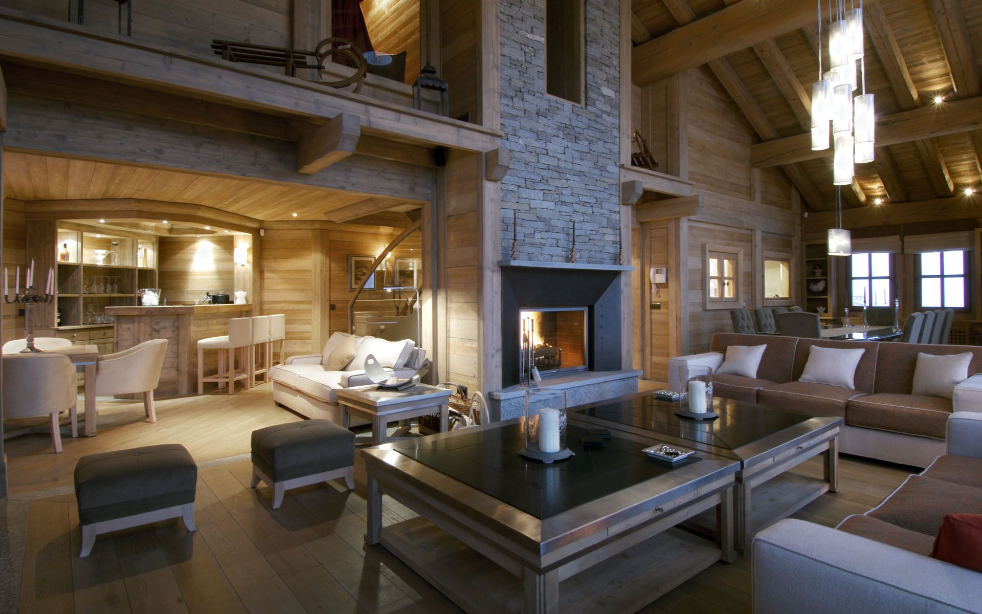 The idea of ski holidays has changed and today's well heeled guests therefore expect nothing but only the highest standards in luxury chalets and luxury Ski Chalets. Chalet Meribel, to take a break from boardrooms, conferences and from the lofty M transaction.