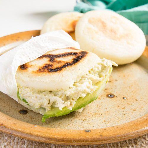 Reina Pepiada Hahnchen Salat Fullung Fur Arepas 1000leckerbissen Lecker Rezepte Lebensmittel Essen