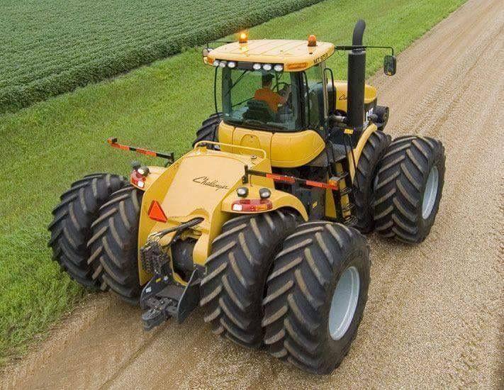 tracteur forestier au travail