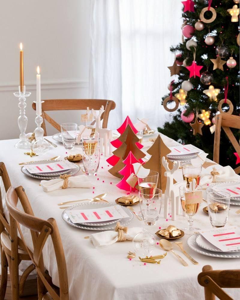 Charmant Décoration Table De Noël En Blanc Et Rose Fluo   Une Interprétation Moderne  De La Déco Traditionnelle Rouge Et Blanche