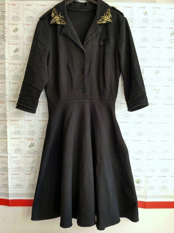 3dac23f62fb5 Černé rockabilly šaty s můrami - vinted.cz