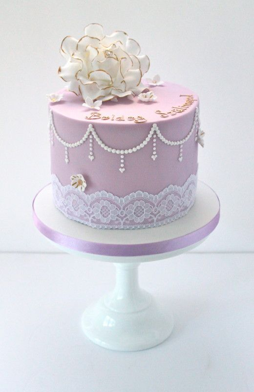 Vintage Pearl And Rose Single Tier Cake Wedding Stuff