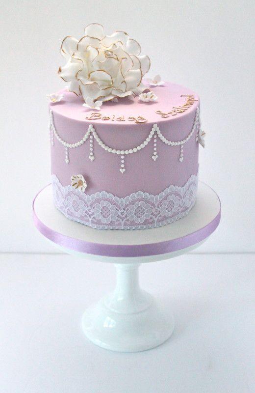 Vintage Pearl And Rose Single Tier Cake Wedding Stuff