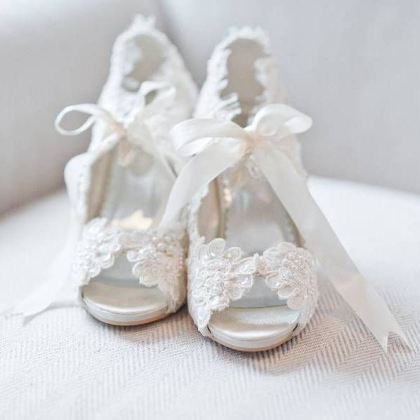 3927f7198c4a Bridal vintage Victorian style ivory peep toe shoes lace pearls Size ...
