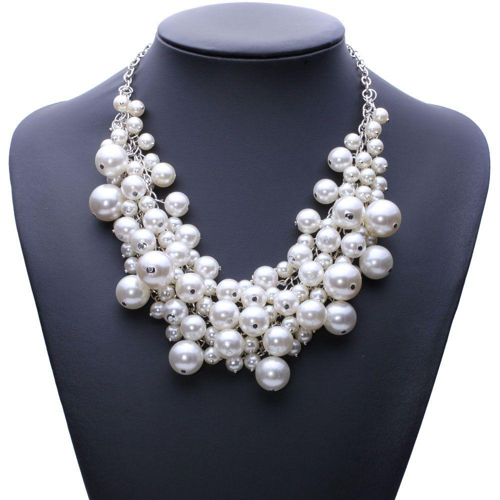 Chunky Luxury Bubble Simulated Pearl Pendant Choker