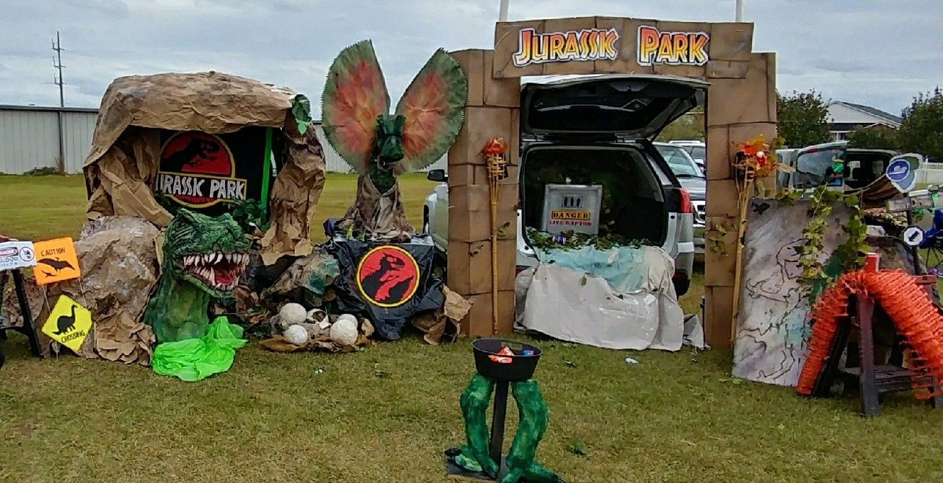 Pin By Kelli Sweeden On Trunk Or Treat Trunk Or Treat Jurassic Park Party Mickey Mouse 1st