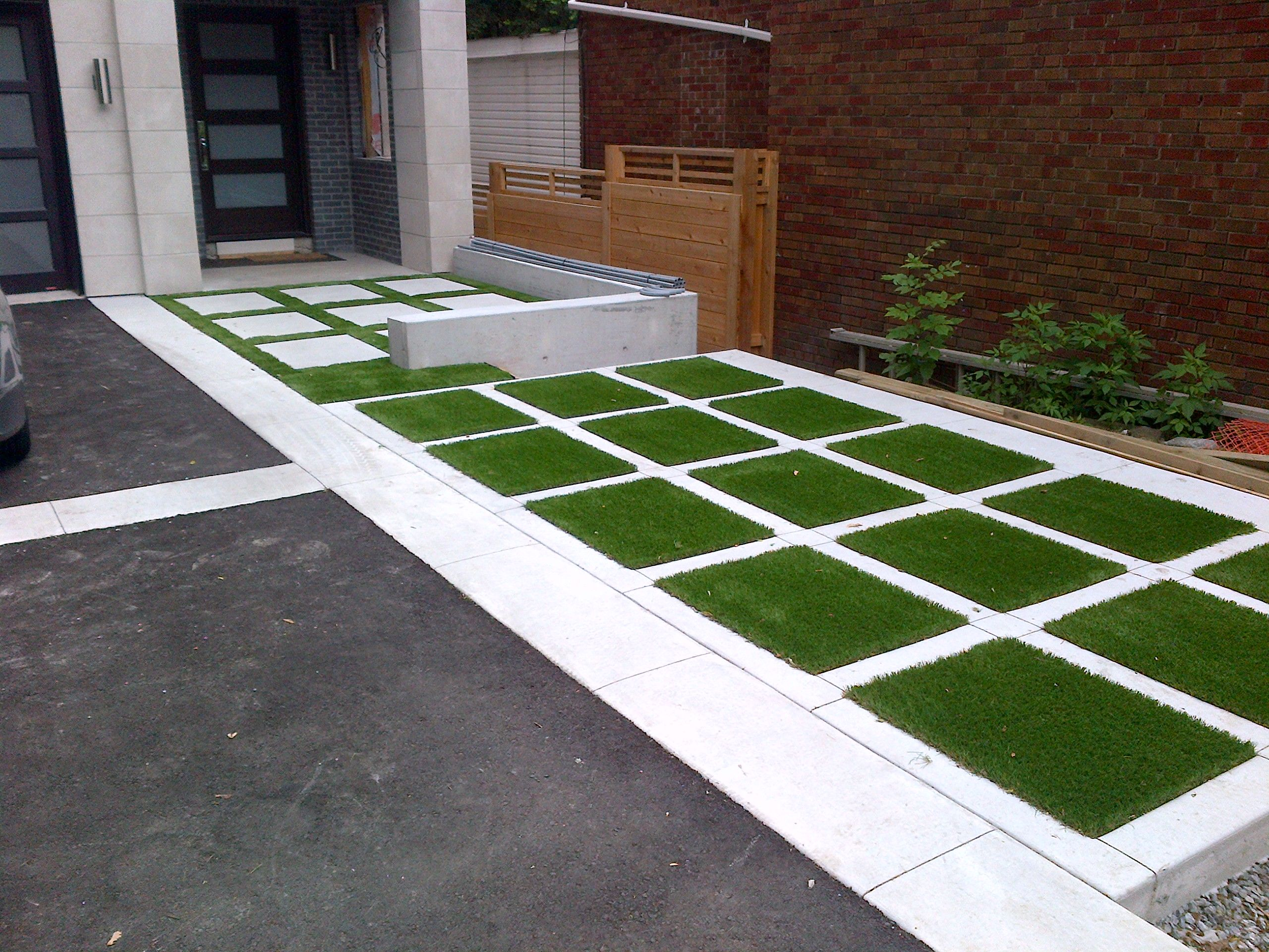 Pin By Franciele Nogueira On Area Externa Grasses Landscaping Permeable Paving Artificial Grass