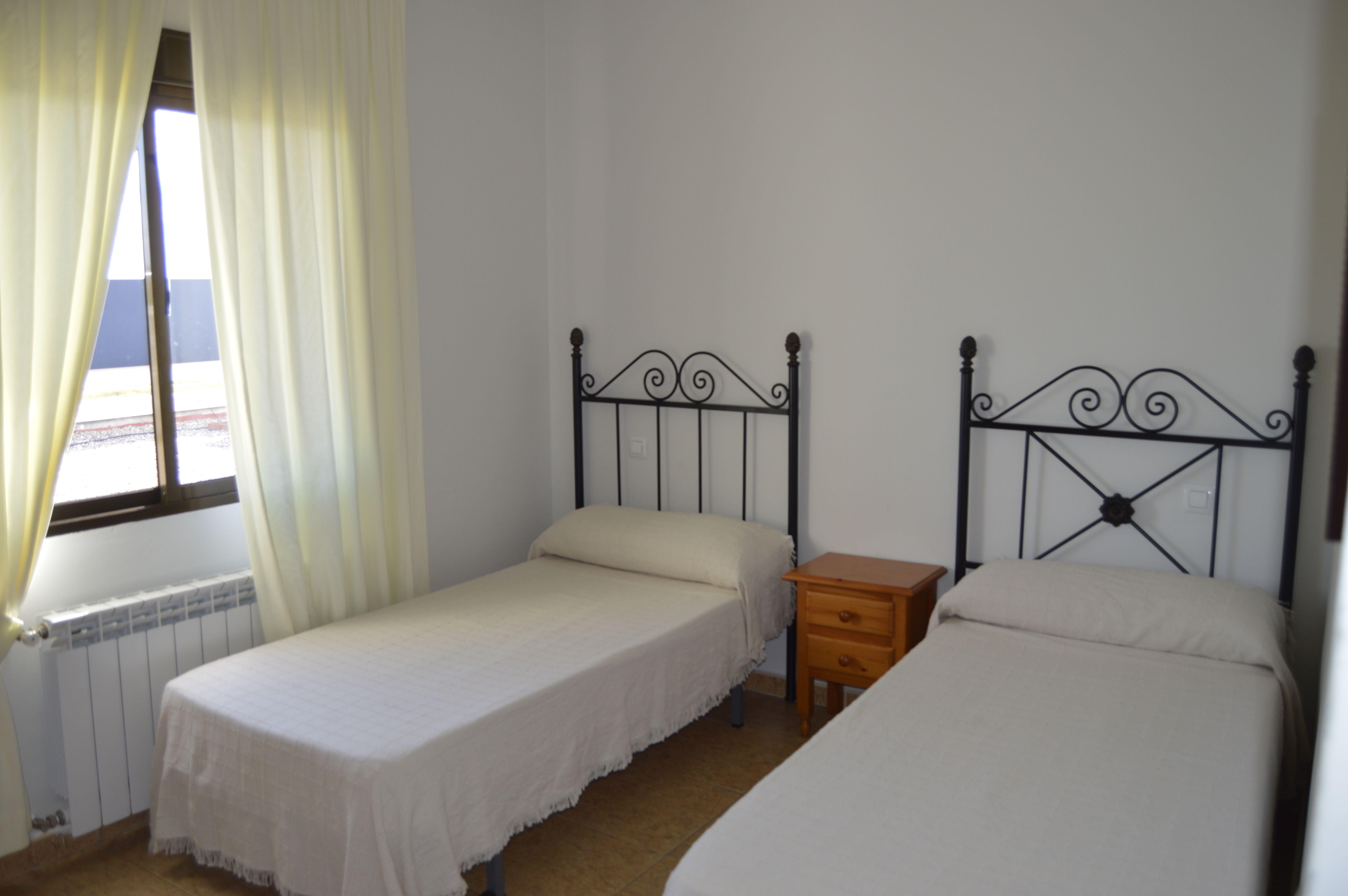 Hostal Karento. Alojamientos a buen precio. Habitaciones ...