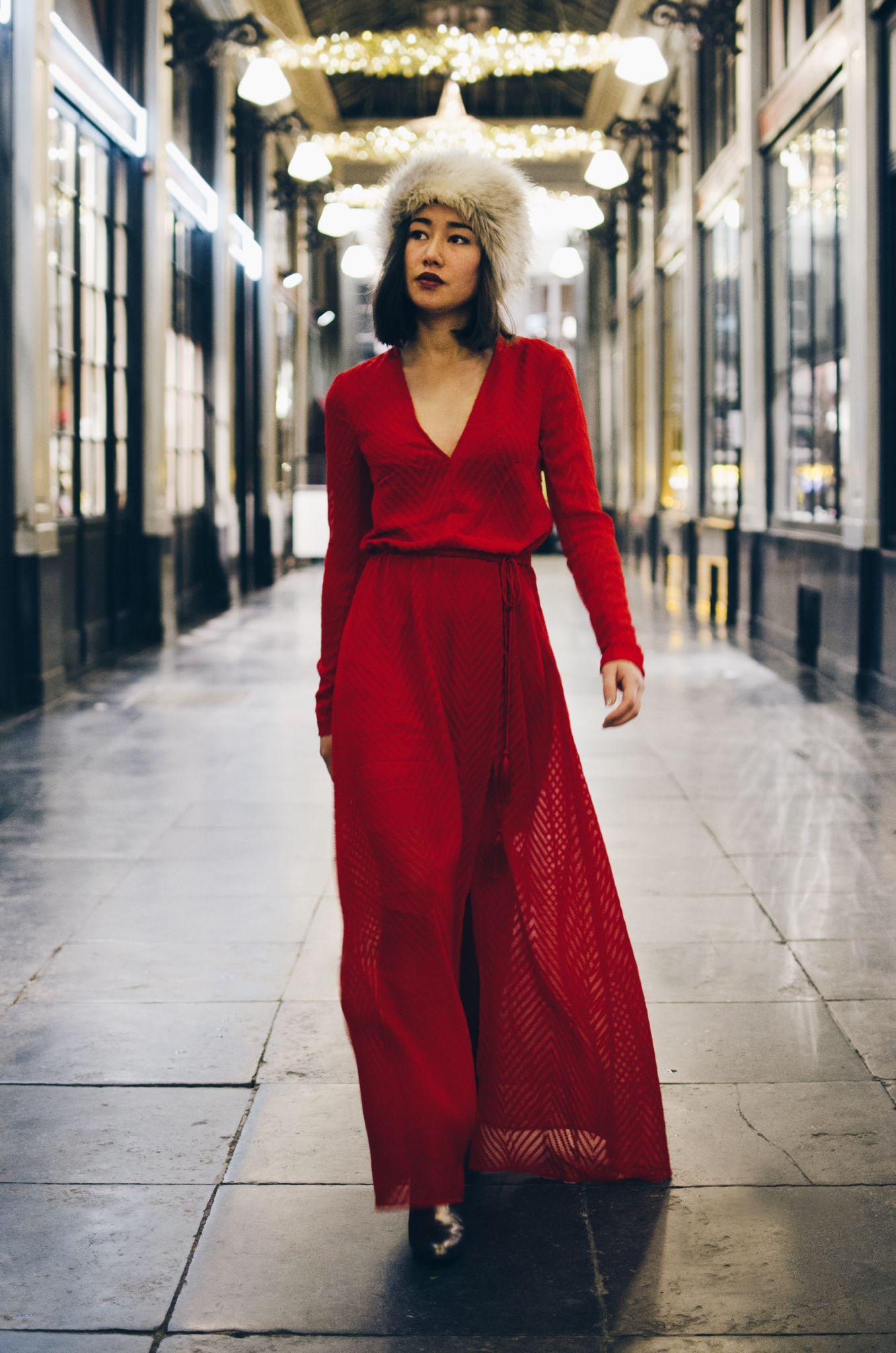 Red dress maxidress hm christmas outfit fashion longdress
