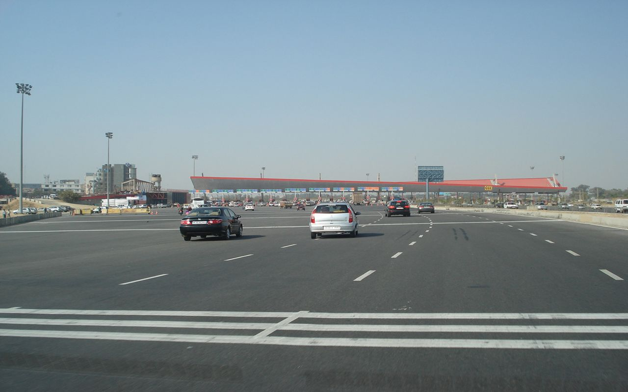 Toll plaza issue IDFC may submit plaza plan in court, all