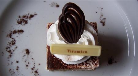 Do you love tiramisu? Here are five different ways to make everyone's favorite Italian dessert. #tirmisu #gourmetrecipes #desserts #traditionalitalianfood #gourmetcooking http://www.finedininglovers.com/blog/food-drinks/best-recipes-tiramisu/
