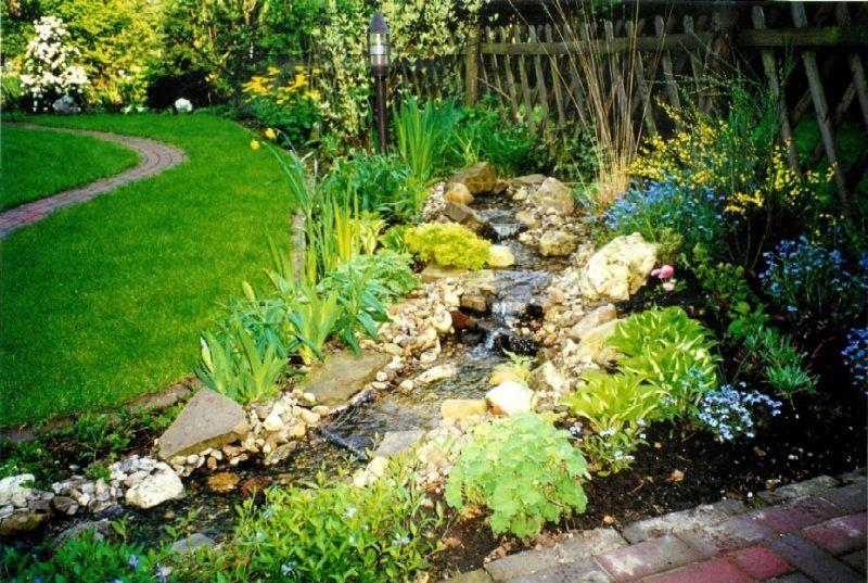 bachlauf anlegen: nützliche tipps und lebendige vorschläge ... - Naturlicher Bachlauf Garten