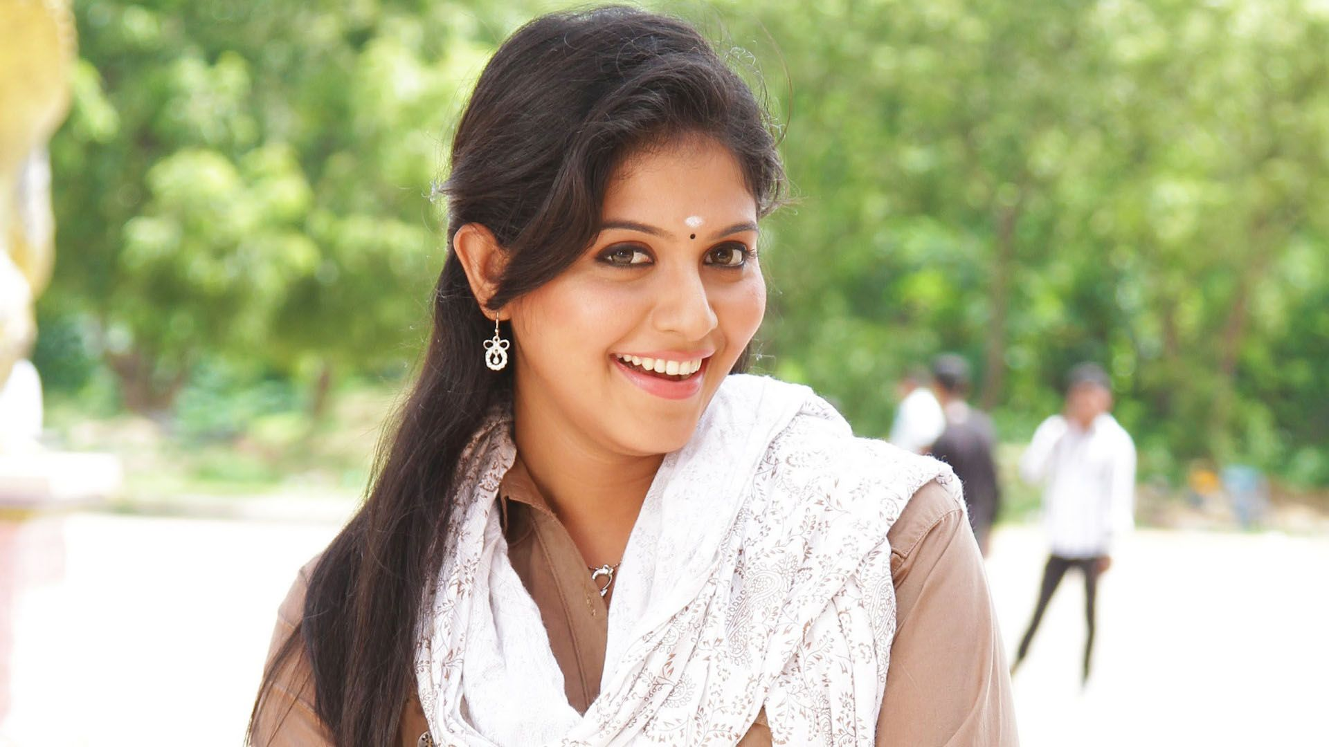 south actress anjali mobile wallpaper download | widescreenwall