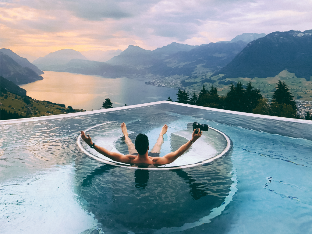 Best Hotel In Switzerland With Infinity Pool A 5 Star Boutique Hotel In Switzerland With A World Famous Infinity Pool No Longer Has To Pay For Advertising Thanks To Instagram Switzerland Hotels Infinity Pool Jacuzzi Outdoor