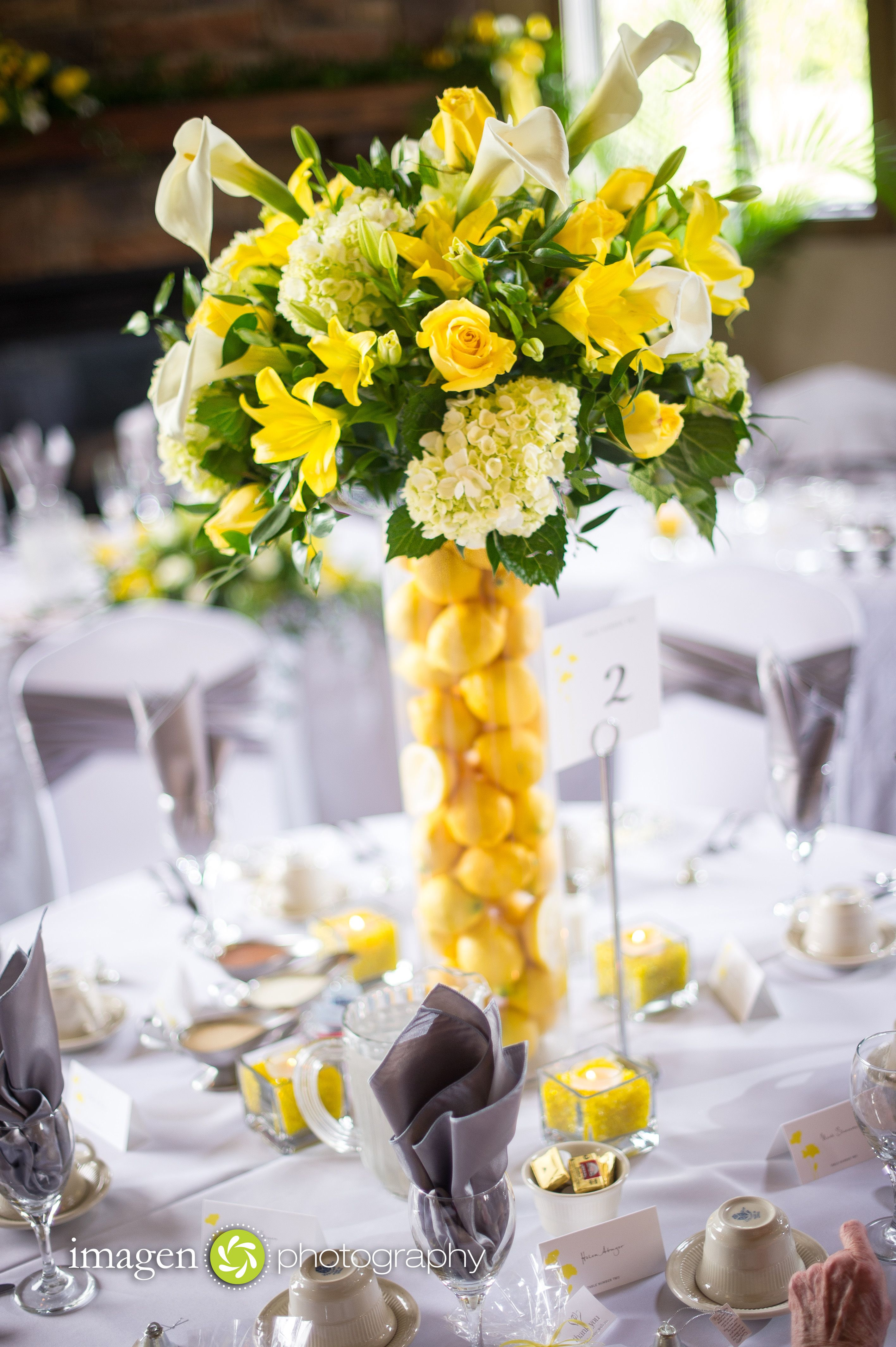 This Stunning Centerpiece In Over 36 Quot Tall White