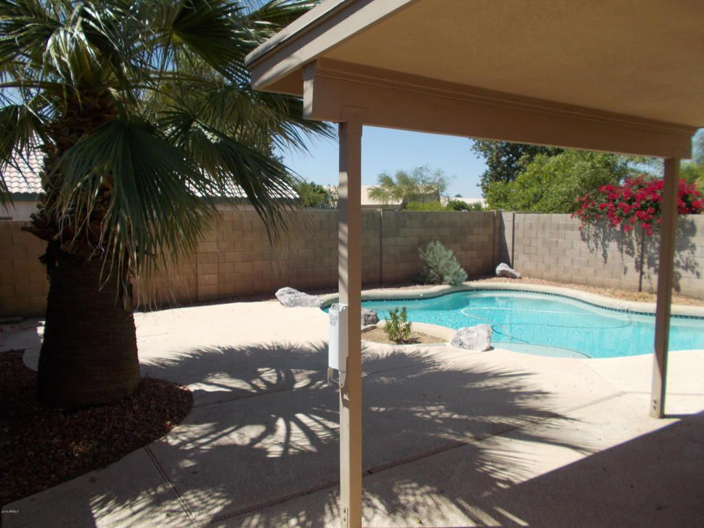 4629 E Dry Creek Road, Phoenix AZ 85044 - Photo 2
