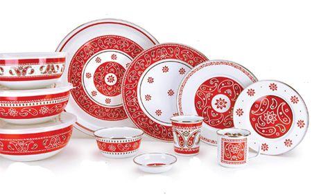 Love This Red And White Bandana Dinnerware Christmas Tableware Christmas Dinnerware Dinnerware