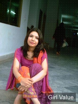 pakistani girl in shalwar kameez salwar for