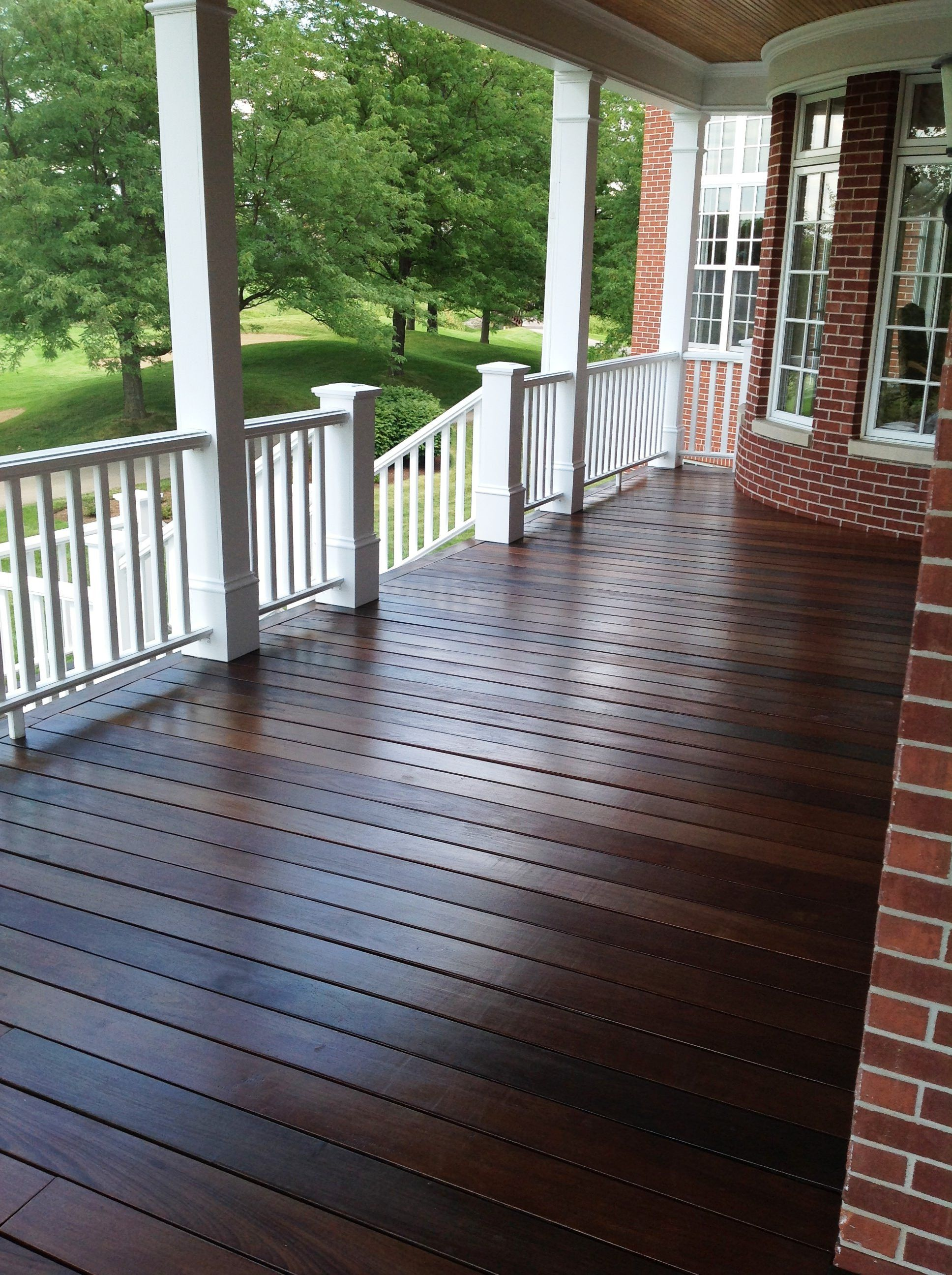 choosing exterior paint colors deck