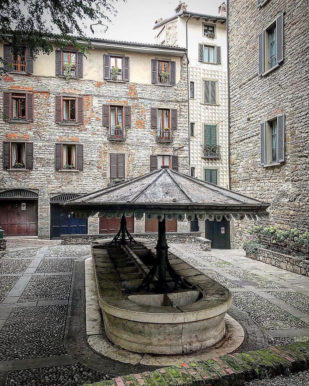 Bergamo Il Lavatoio di via Lupo, in Città Alta. Una