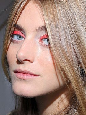 Bright Eyes Makeup Trend 2011 - 1