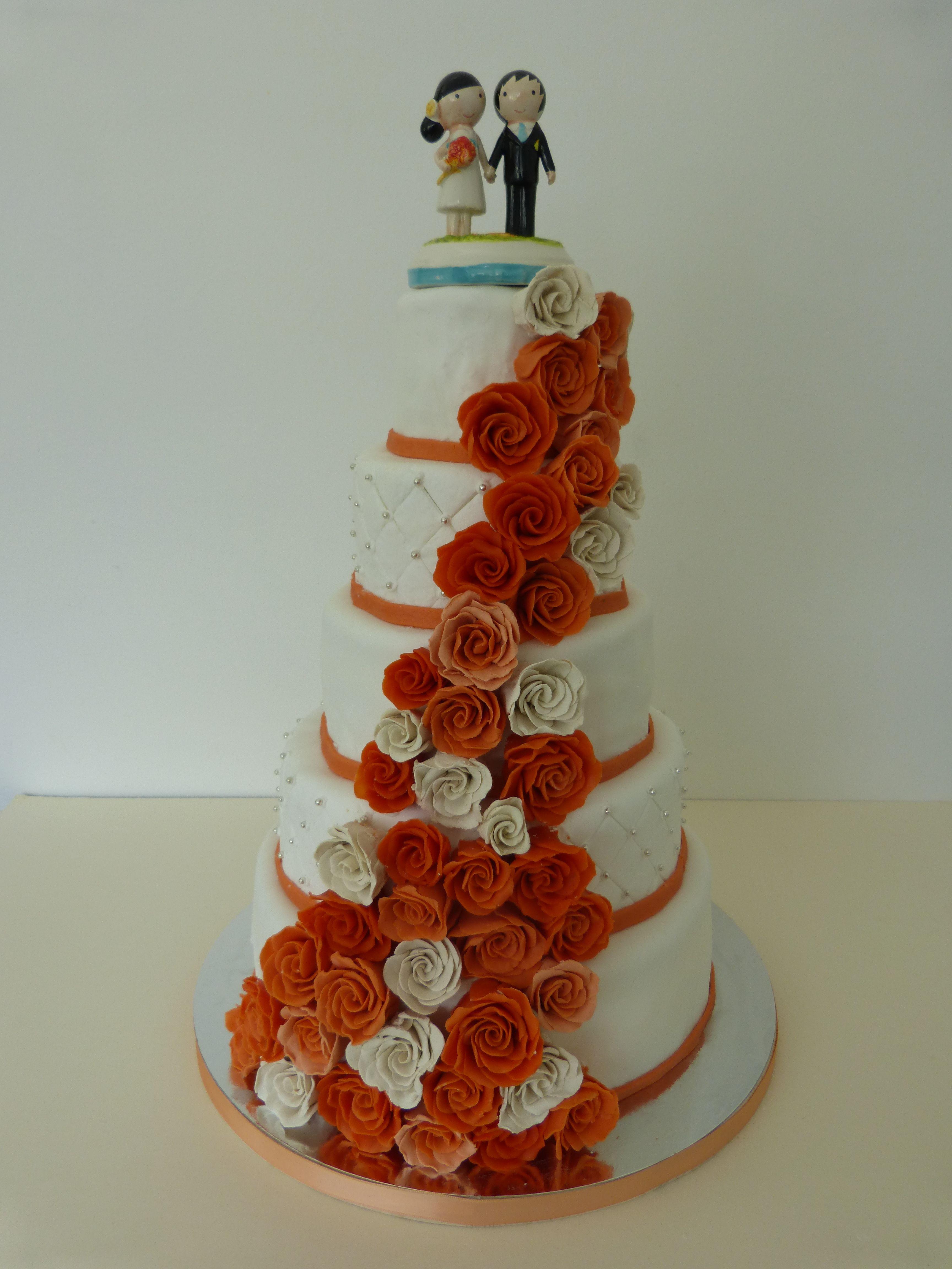 Weddingcake Hochzeitstorte Marzipanrosen Apricot Weiss Rosen
