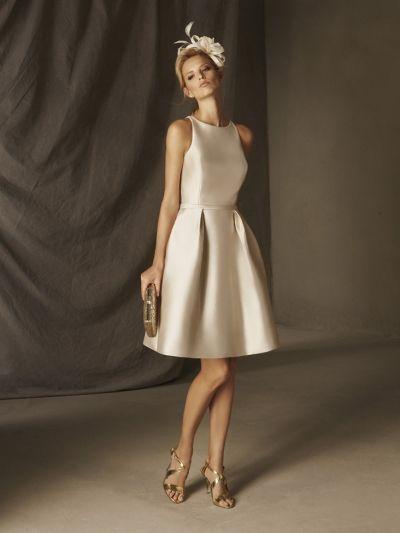 208ce2377b2f61 White dress I'd make this in tulle Kurze Elegante Kleider, Abendkleider  Ballkleider,