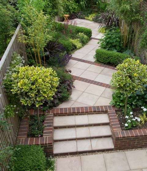 Garden Design Gallery For Berkshire Hampshire Oxfordshire And Wiltshire Uk Sloped Garden Small Courtyard Gardens Courtyard Gardens Design