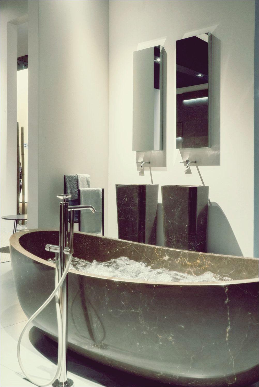 So Erkennen Sie Ob Die Standard Badewannengrosse Zu Ihnen Passt Bad Deko Kleines Badezimmer Mobel Minimalistische Badgestaltung Minimalistisches Badezimmer