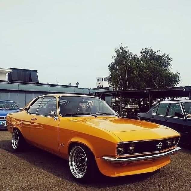 Opel Manta A Gt E 1974 1975 The Opel Manta A Arrived In 1970 As A 2 Door Coupe It Took A Few Styling Cues From General Motors Co Opel Manta Manta Manta A