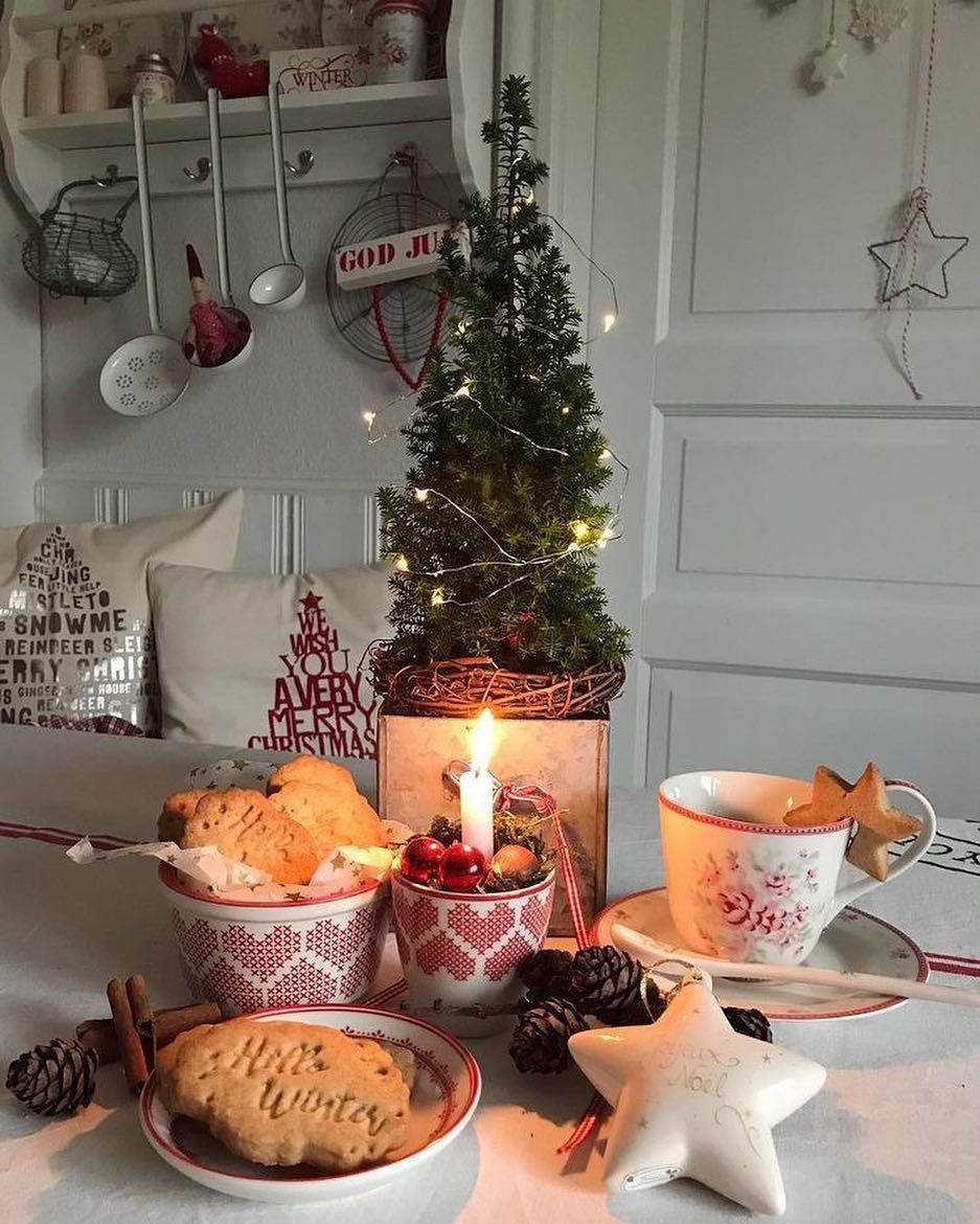 20 Christmas Kitchen Decor Ideas With You 2020 Page 17 Of 20 Newyearlights Com Christmas Kitchen Decor Christmas Kitchen Christmas Decor Diy
