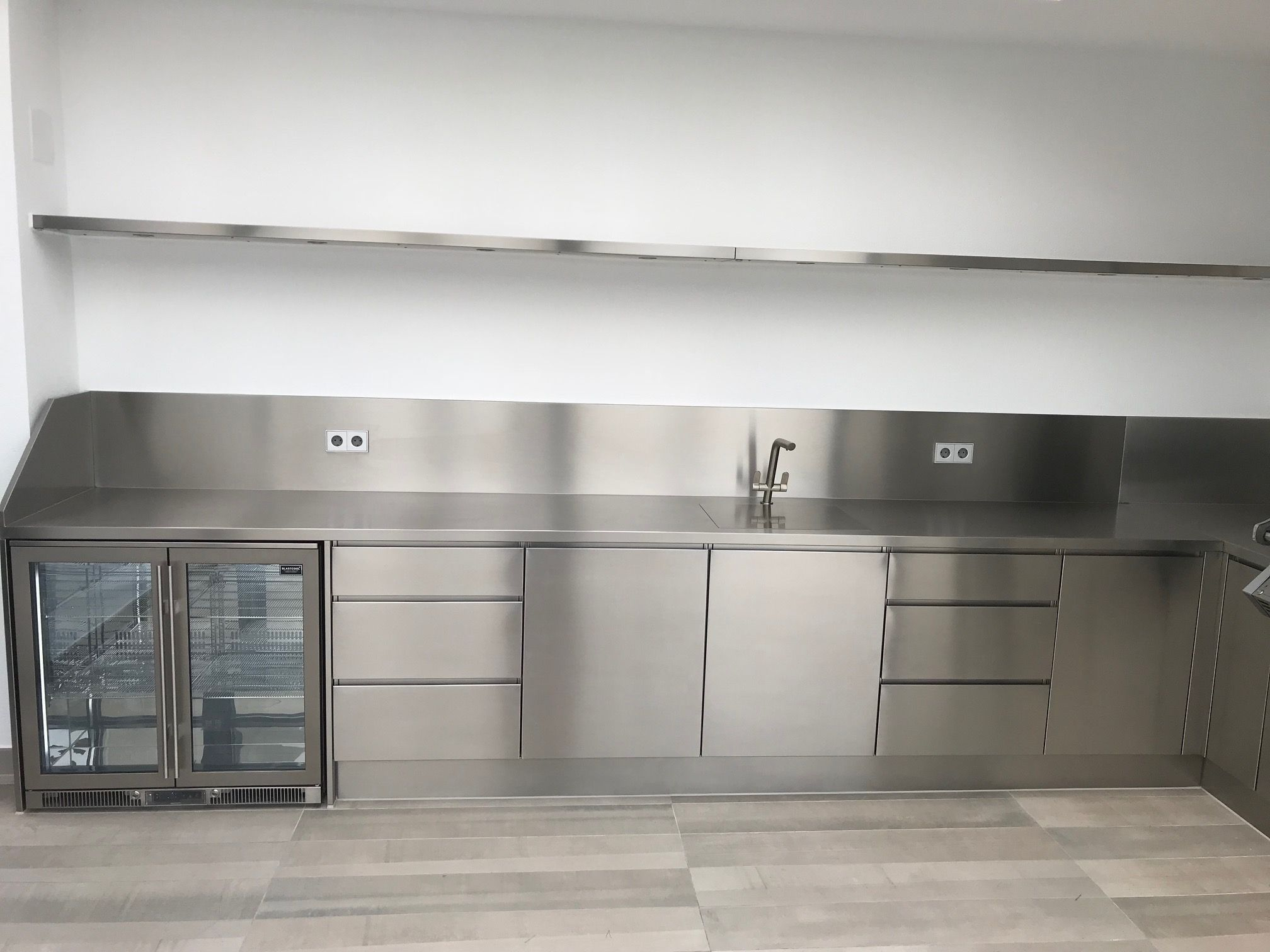 Stainless Steel Handleless Design Outdoor Kitchen Recently Manufactured For O Outdoor Kitchen Cabinets Stainless Steel Kitchen Stainless Steel Kitchen Cabinets
