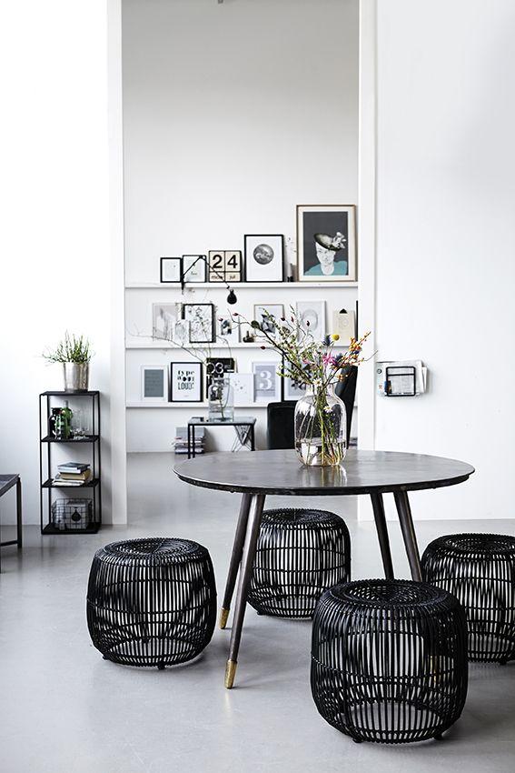 Dime qué mesa redonda tienes y te diré qué mix de sillas elegir ...