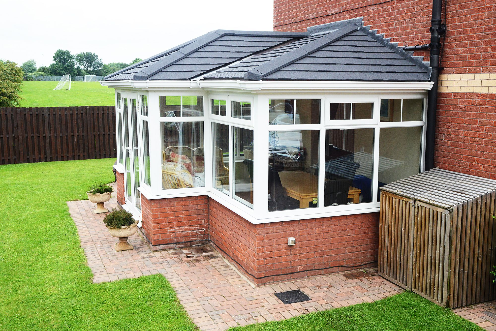 Stunning Tiled Conservatory Roof Supalite By Solarframe With Stunning Charcoal Metrolite Tiles Finished Tiled Conservatory Roof Roof Colors Painting Gutters