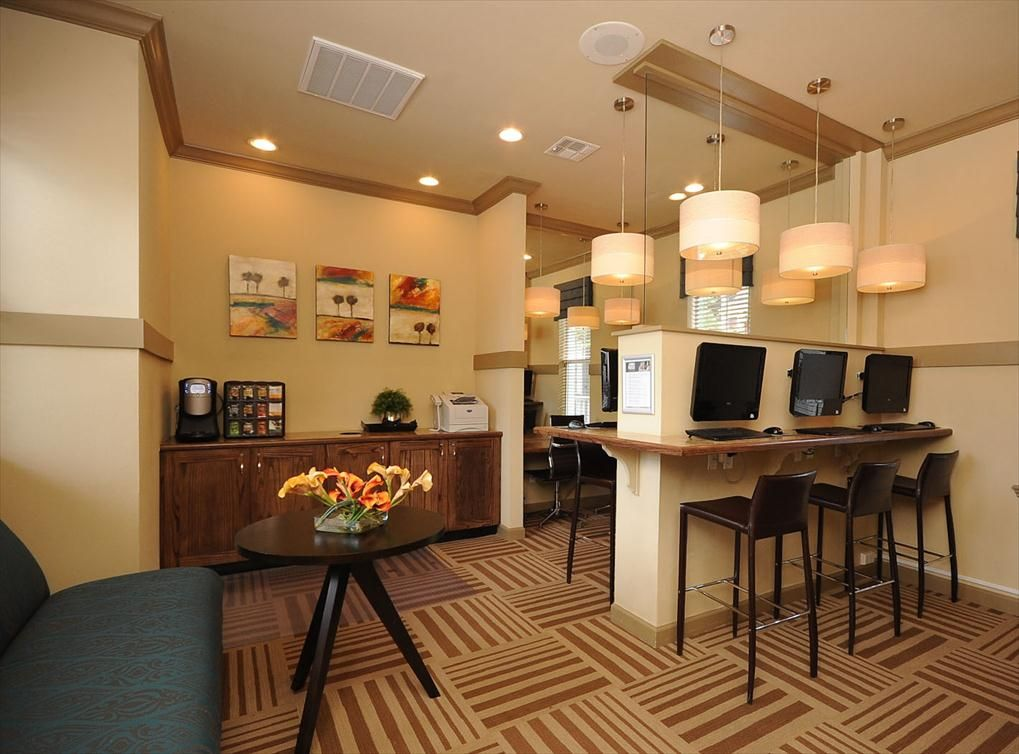 Cyber lounge with coffee bar wifi at amli at the