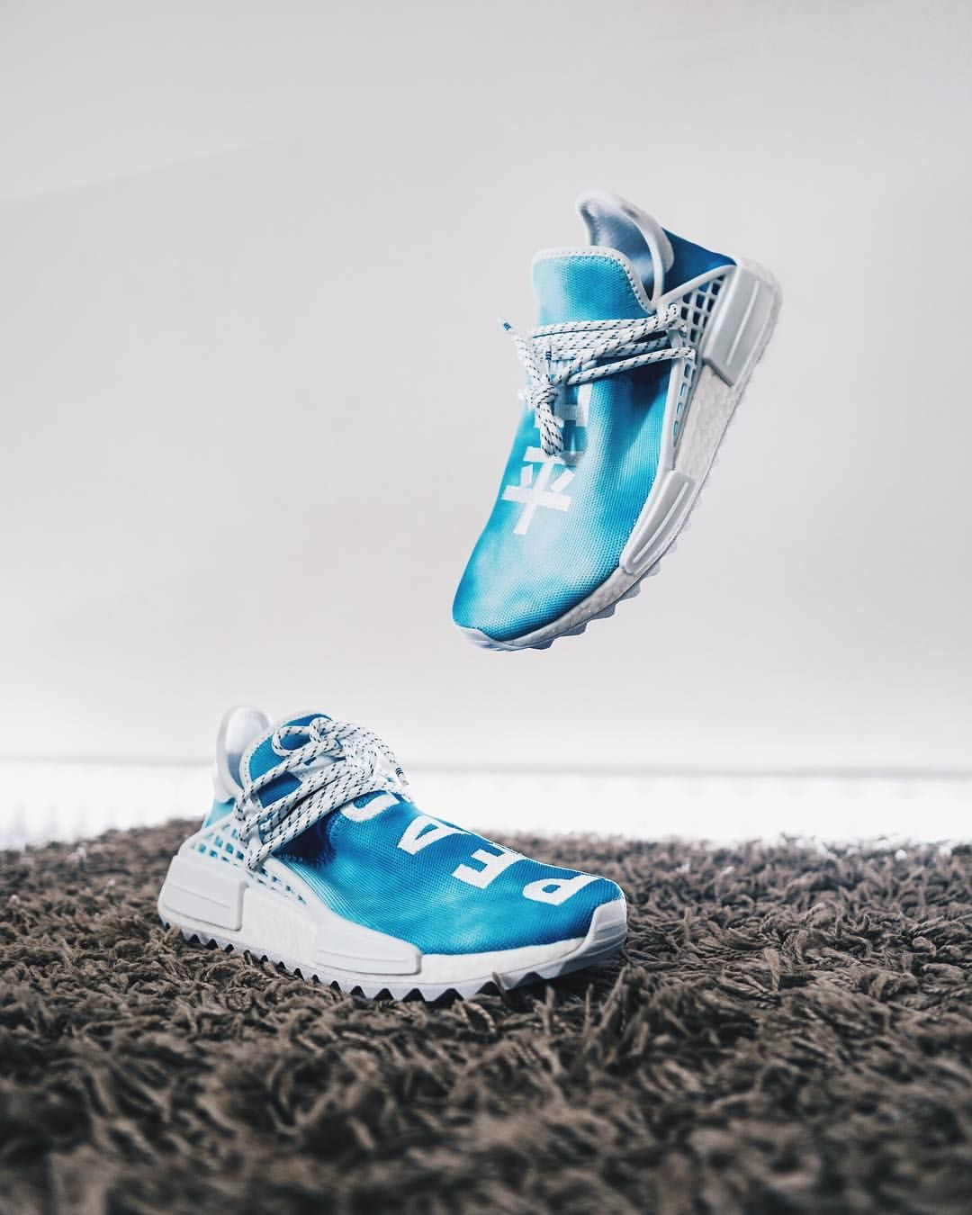 372abc637aab2  Advertisement  - BLUE PEACE 💎 Next pair out of the China Pack is here! My  blue  adidas de Human Race is pure 🔥!