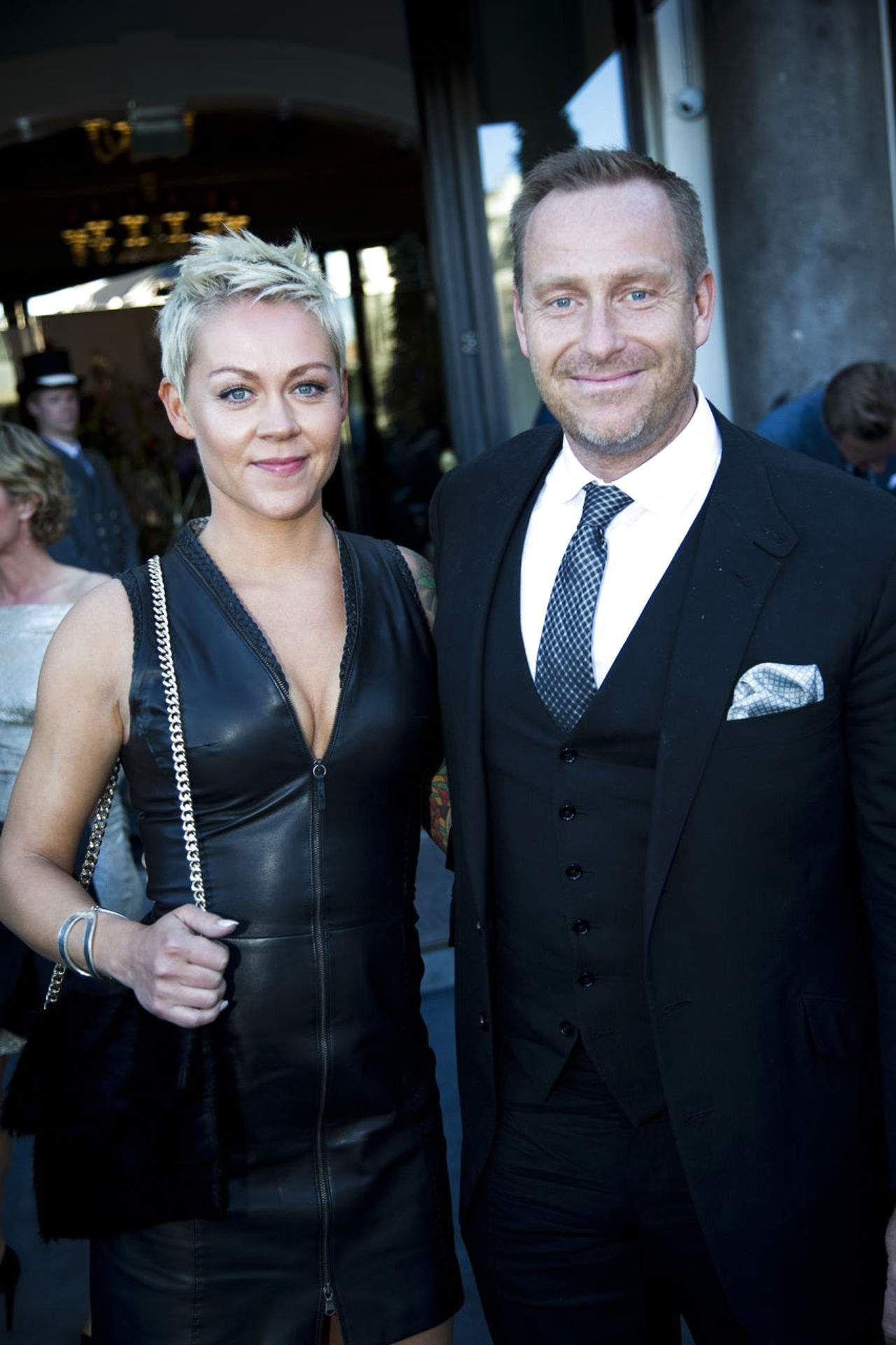 Adam Price med sin kone Mischa Jemer.