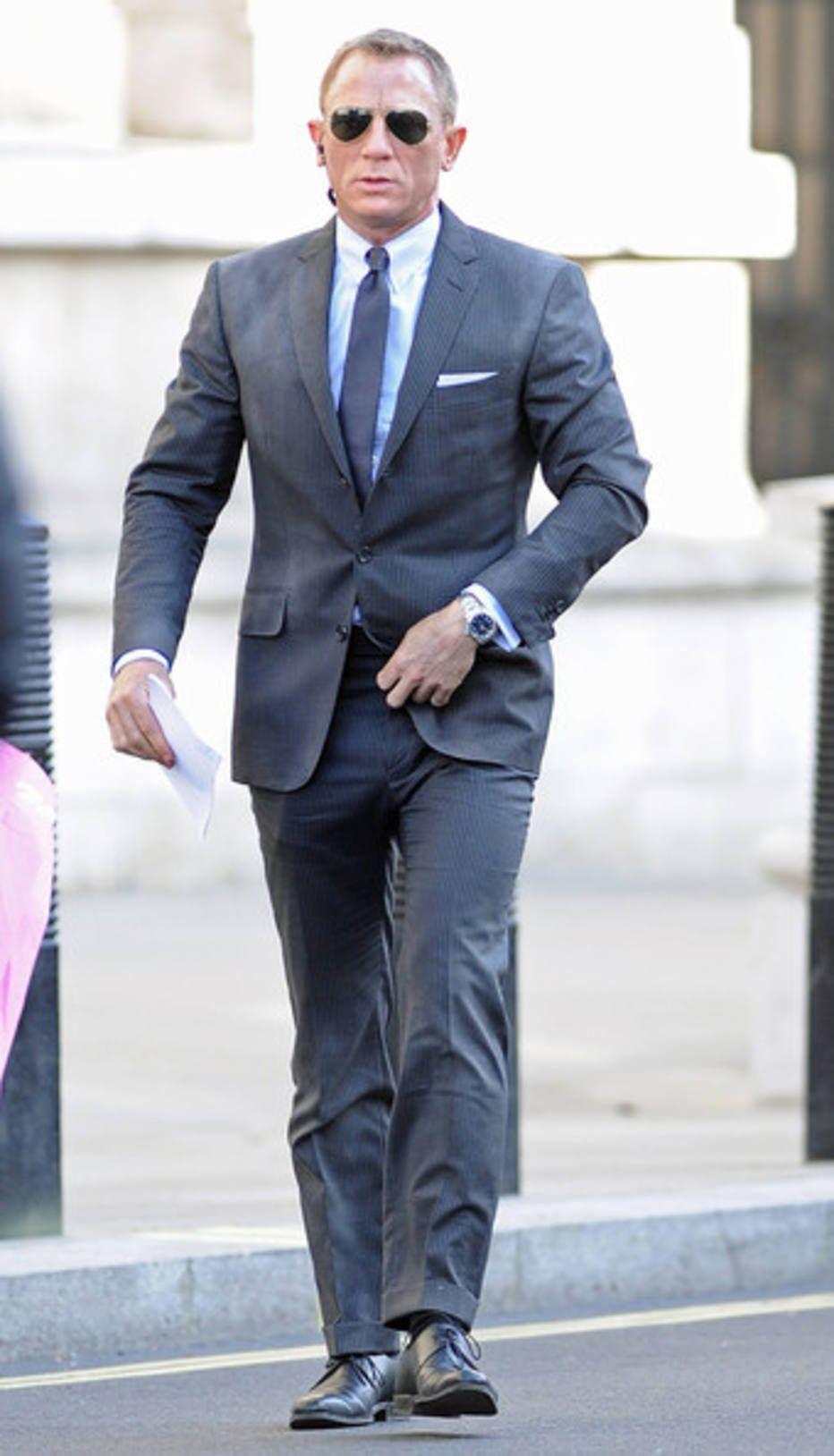 9962d97f2c4 Reprodução - Os ternos de Tom Ford para Daniel Craig são bem ajustados