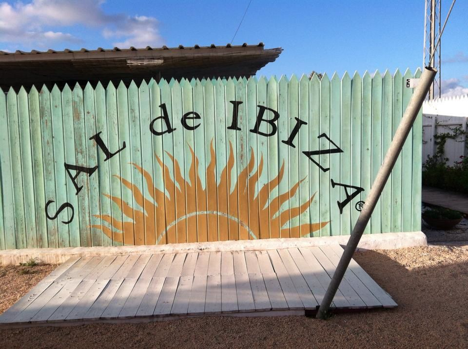 On the way back from the beach in Ibiza, my girlfriends and I stopped by Sal de Ibiza, a boutique that sells virgin sea salt.