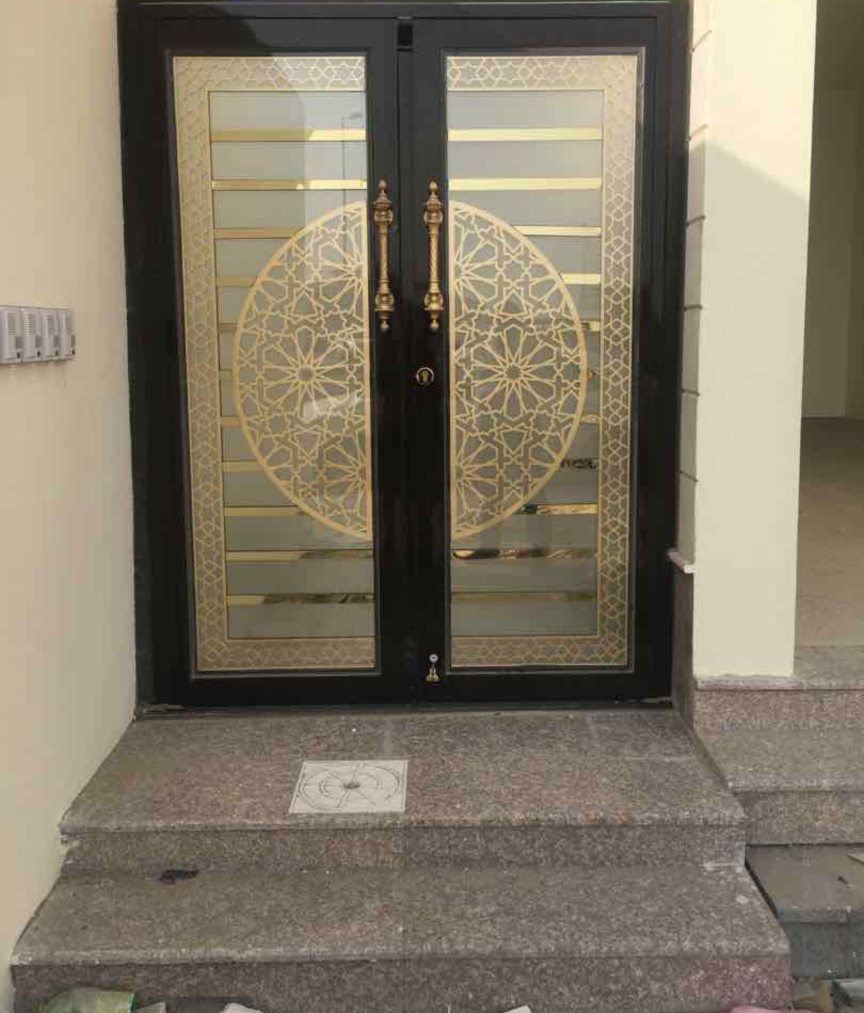 Pin By ابواب درج حديد القصور الذهبية On ابواب داخلية Door Gate Design Entrance Door Design Metal Doors Exterior
