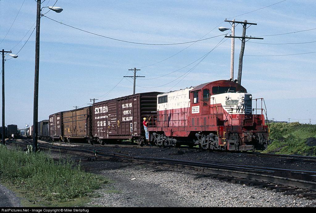emd gp7 railpicturesnet photo wm 5633 western maryland railway emd gp7