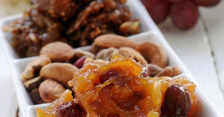 Fikenchutney, aprikoskompott og nøtteblanding