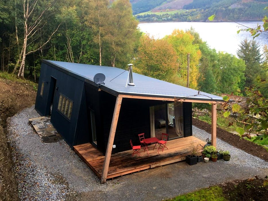 Studio Hoose A Loch Side Cabin In The Remote Scottish Highlands Container House Cabin Design Tiny House Cabin