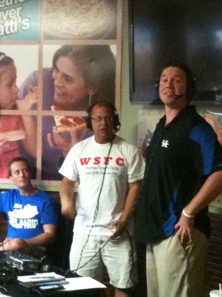 Shannon the Dude, Ryan Lemond, and Matt at the Mr. Gatti's