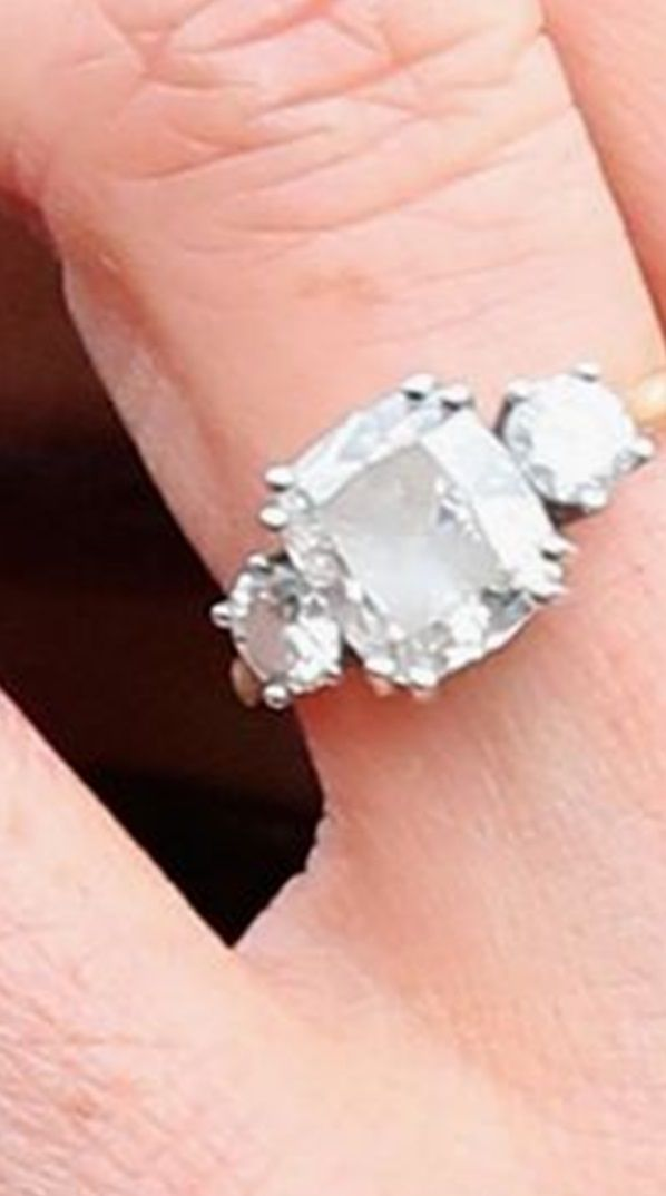 Meghan Markle S Engagement Ring Was Designed And Made By