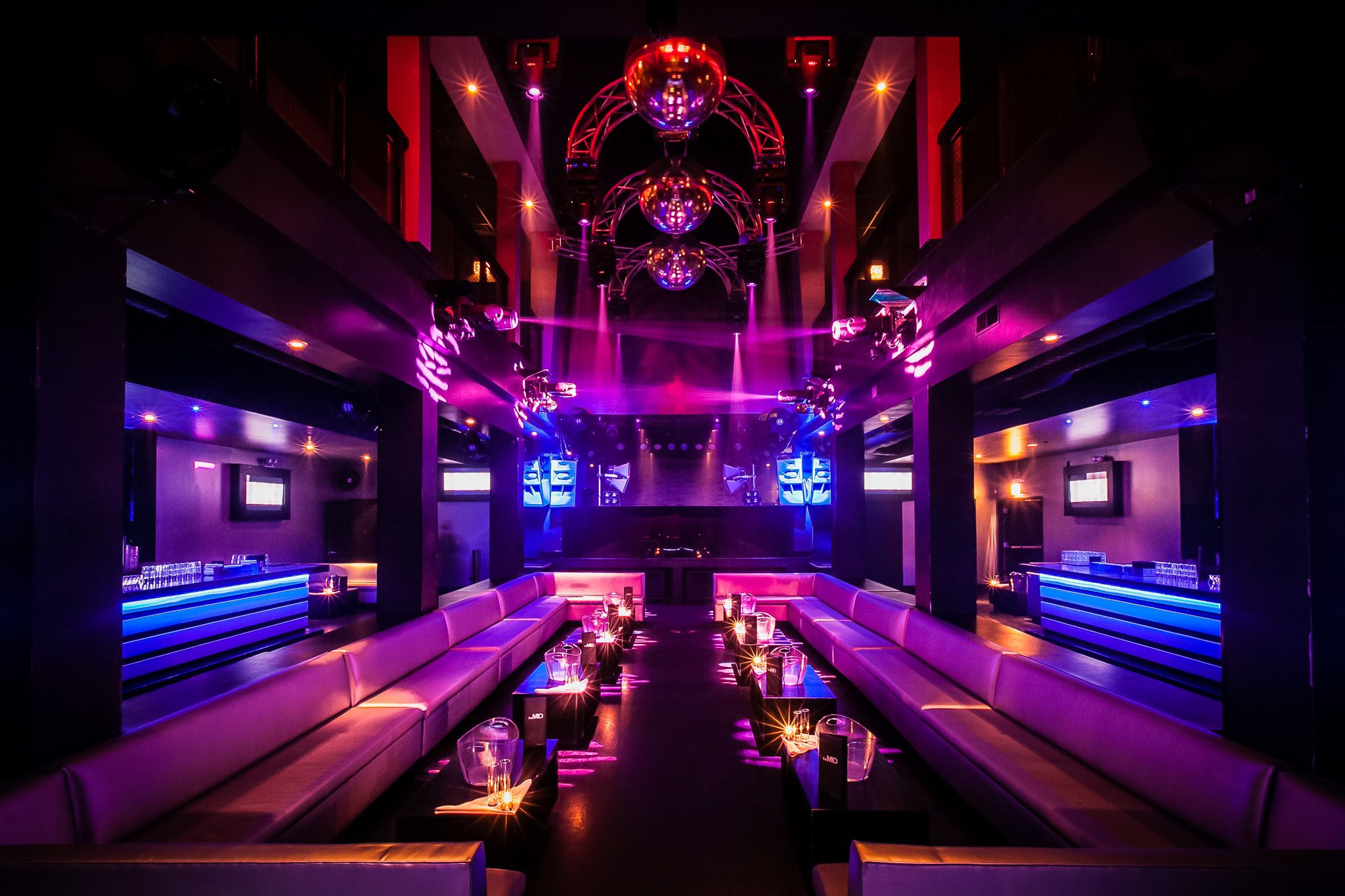 The 14 Best Nightclubs In Chicago For Dancing The Night Away Chicago At Night Chicago Nightlife Chicago Night Clubs