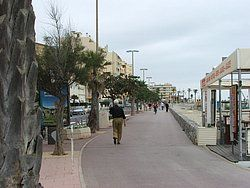 http://www.euroguides.eu/euroguides/france/languedoc/canet.html